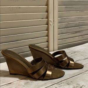 Bandolino Copper Wedge Sandals size 7 1/2